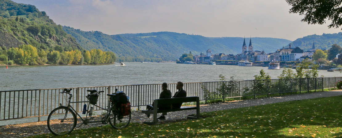 Relaxing by the Rhine